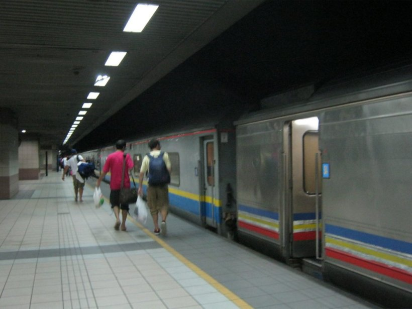 train to KL-007