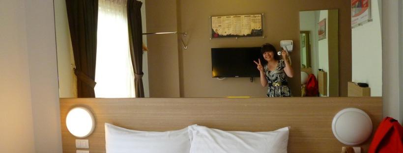 Double room of Tune Hotel Asoke